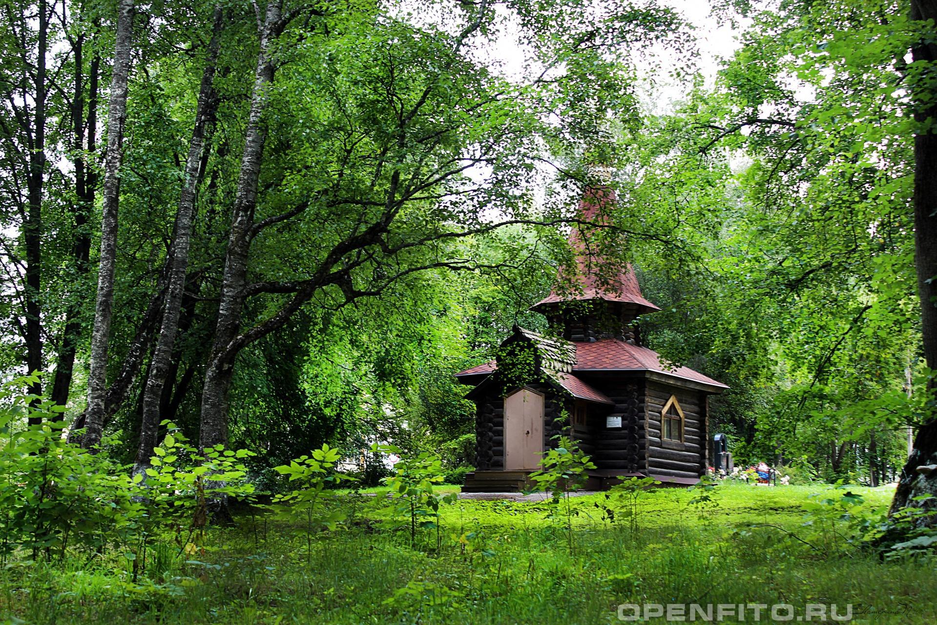 Деревянная церковь Деревянная памятная церковь. г.Данилов, Ярославская область.
