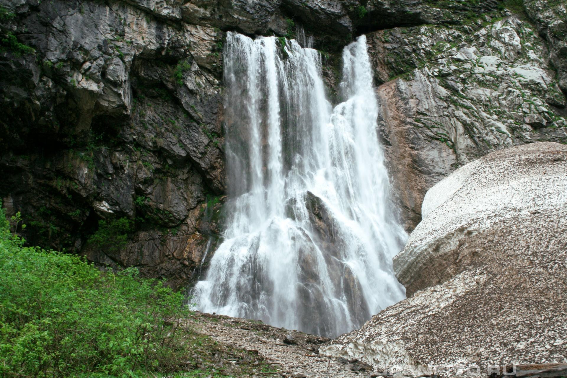 Гегский водопад Высота падения воды 55м