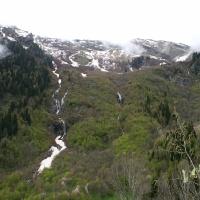 Склон горы с водопадами